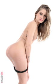 Mysterious lady from Hungary StripShow  gallery